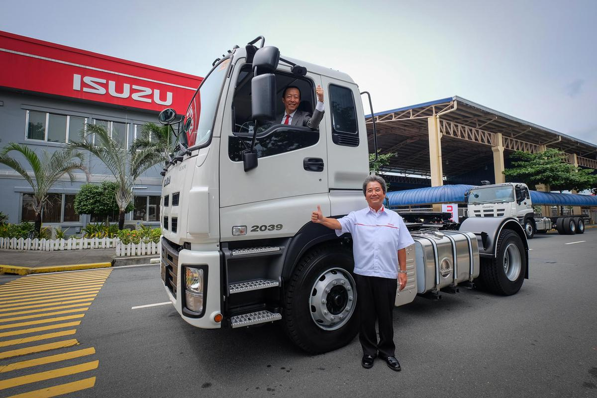 Isuzu Truck Display (2)