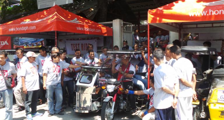 Honda holds TMX Supremo Ratsada Caravan