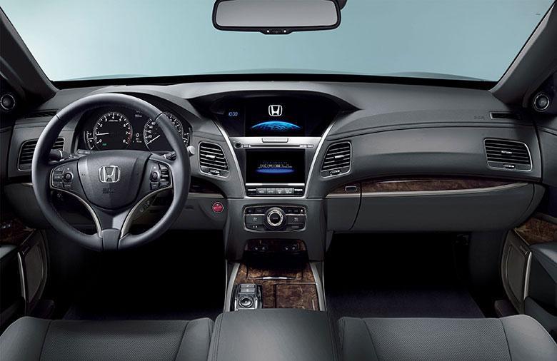 Honda-Legend-Dashboard_