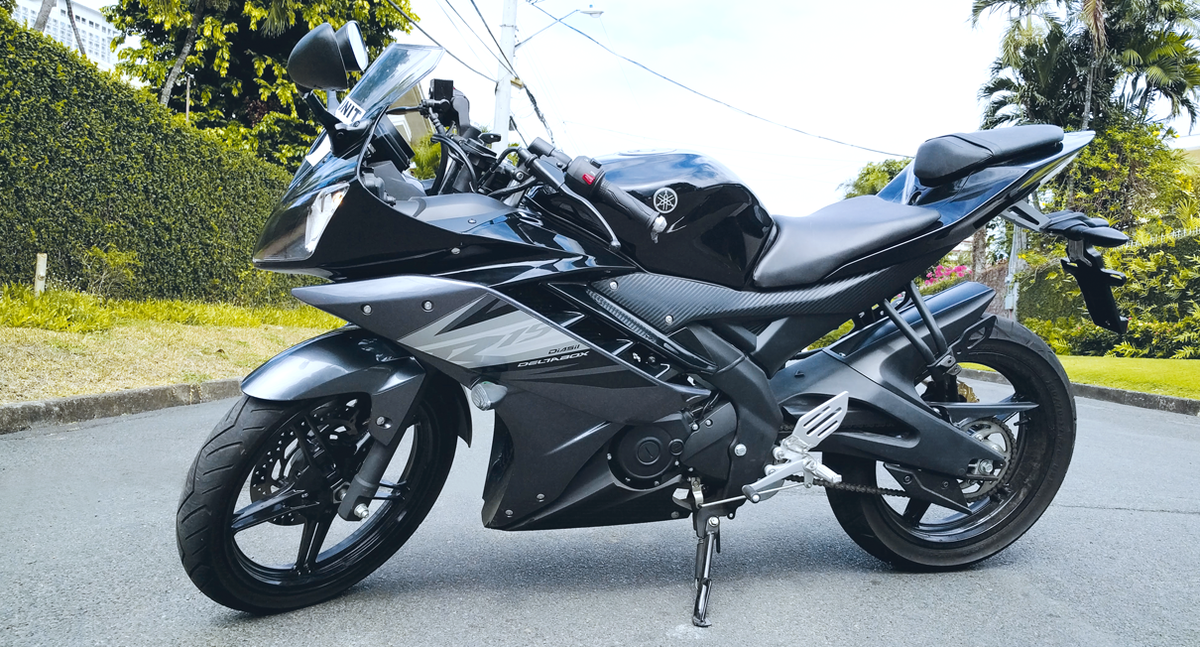 Yamaha yzf r15 version 30 price specs review pics autos post for Yamaha r15 v3 price philippines