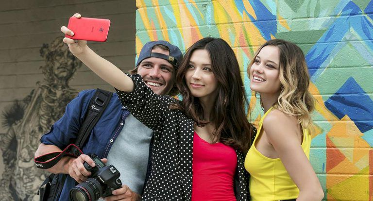 From 'Me' to 'We': The Incredible Selfie Moments We Can All Share – The Wefie