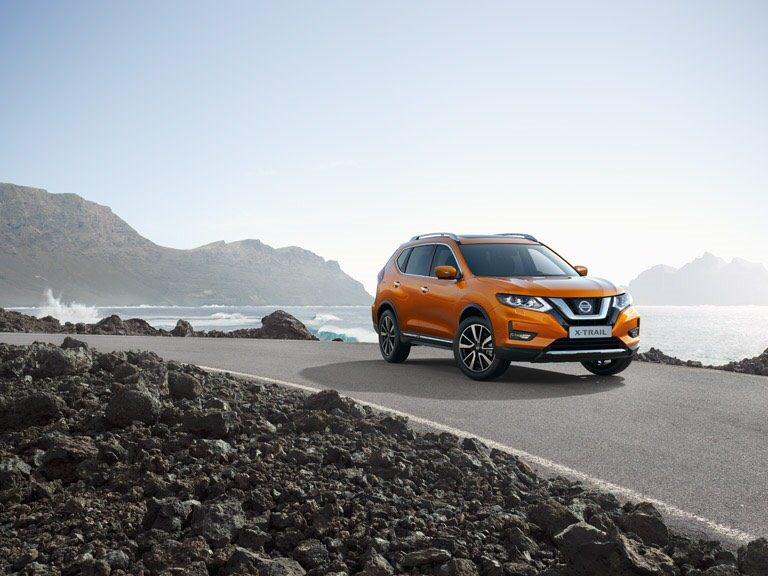 The new Nissan X-TRAIL redefines smarter driving