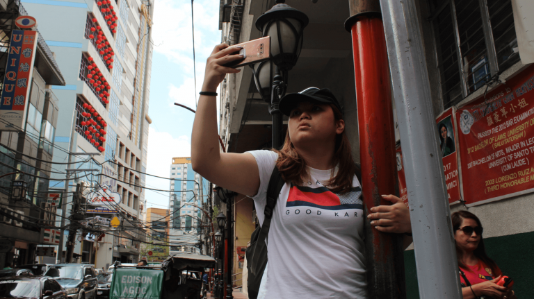 A photo walk to remember:  The streets of Binondo through the lens of today's top smartphones