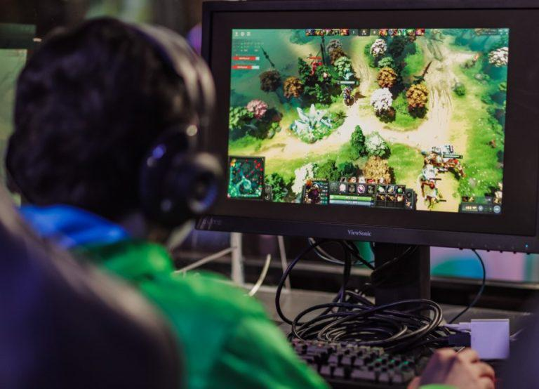 Smart launches first 5G-powered esports hub in the country