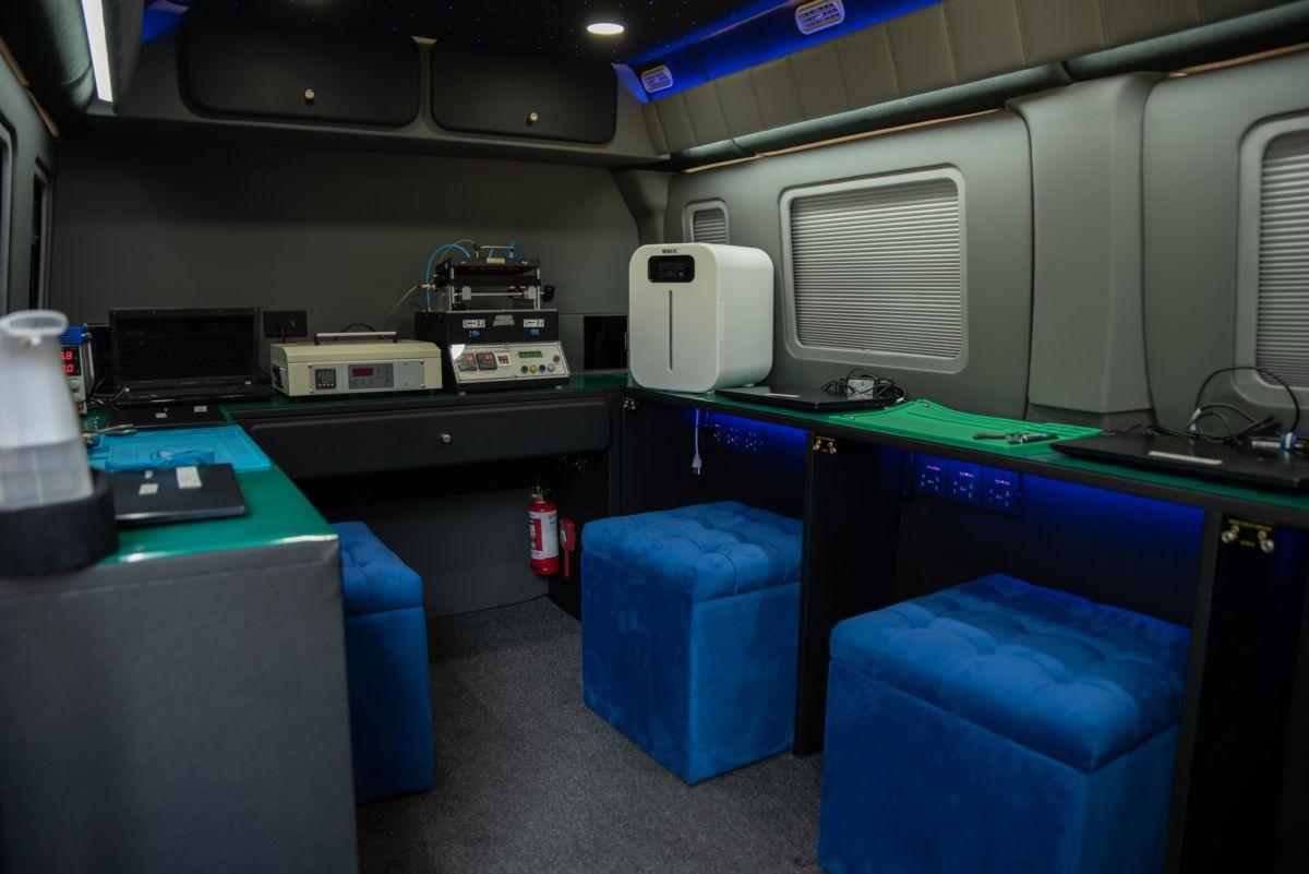 Samsung Galaxy Mobile Service Caravan